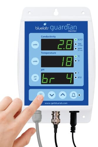 Bluelab MONGUA Guardian Monitor for pH, Temperature, and Conductivity Measures, Easy Calibration and Wall Mounted Grow Tent Accessories